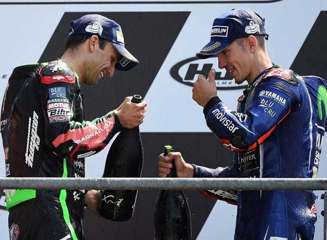 Maverick Vinales (Movistar Yamaha) vainqueur du Grand Prix de France 2017 et Johann Zarco (Yamaha tech 3) pour sa 2ème place